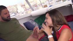 Lyonnaise vient gouter une bite dans le port de Marseille